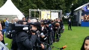 Mediale Aufmerksamkeit für AsA auf dem Bürgerfest des Bundespräsidenten - Das war neu für uns.  Foto: Till Winkelmann